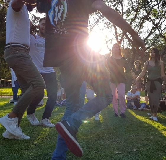 Bailando en grupo